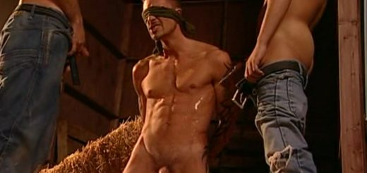 Pissing Guys: Damien Crosse, Sergio Anthony and Tamas Eszterhazy