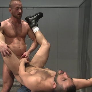 Pissing Guys: Kurt Weber and Mike Dreyden