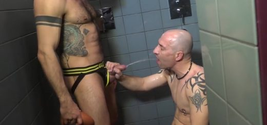 Pissing Guys: Alberto Esposito and Torsten Muller – Part 2