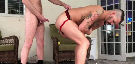 Pissing Guys: Deviant Otter and Johnny 7
