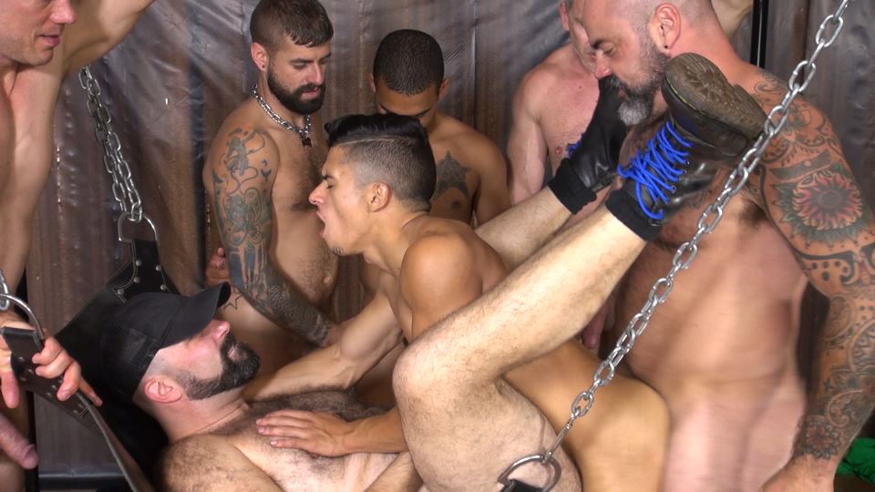Sam Dixon – Piss Gang Bang