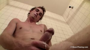 Scottie Cooper Hosing Down In The Tub 3