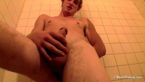 Scottie Cooper Hosing Down In The Tub 6