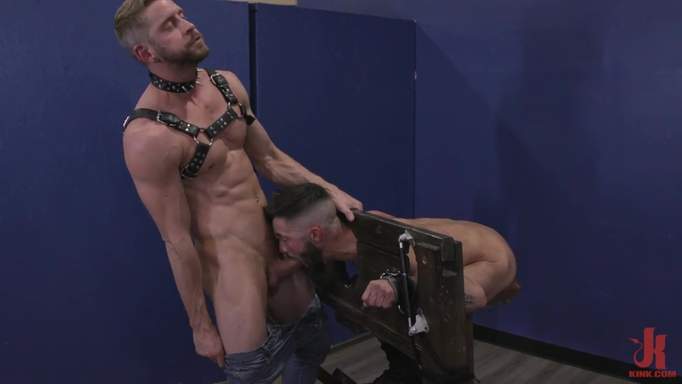 Sleazy Pissing Video With Johnny Ford & Casey Everett 4