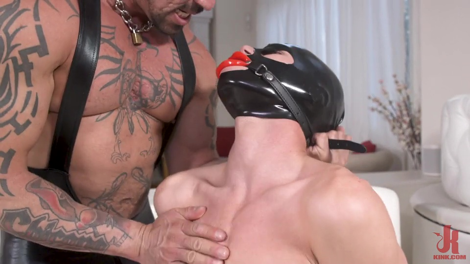 Rubber Master Rocky Maximo Drenches Shae Reynolds In Piss 1
