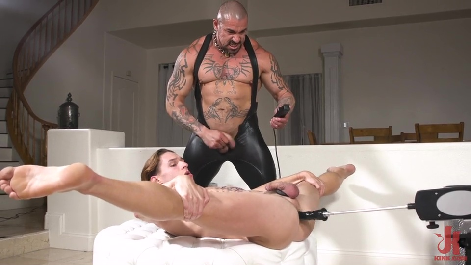 Rubber Master Rocky Maximo Drenches Shae Reynolds In Piss 3