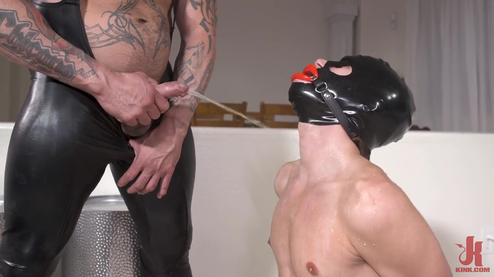 Rubber Master Rocky Maximo Drenches Shae Reynolds In Piss 5