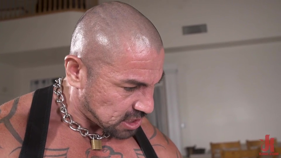 Rubber Master Rocky Maximo Drenches Shae Reynolds In Piss